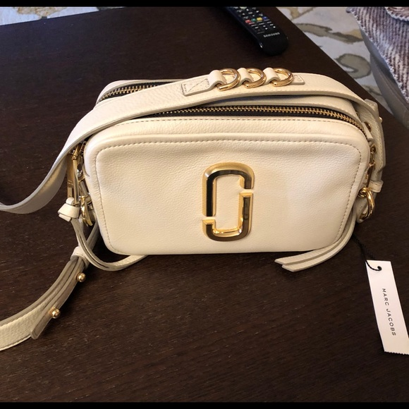 Marc Jacobs Handbags - The Softshot 21 crossbody bag